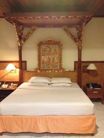 Puri Dewa Bharata Hotel & Villas : Room