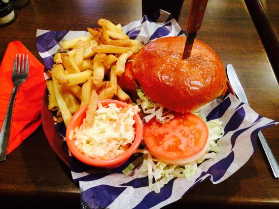 Fat Sam's: Buffalo Chicken Burger