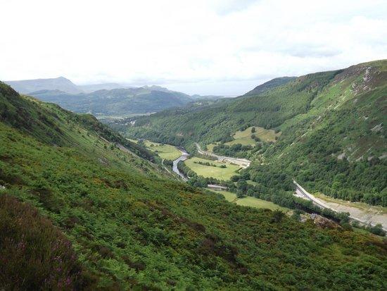Dolffanog Fawr: view on precipice walk