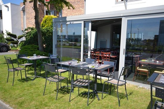Best Hotel Caen Citis : Terrace