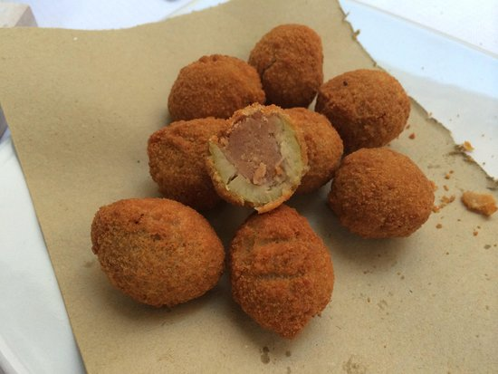 Osteria Del Ponte: The amazing Olives Ascalona
