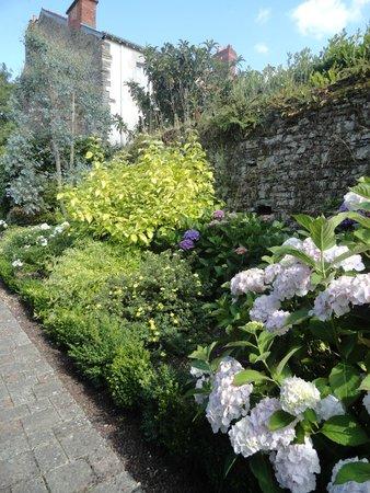Le Clos des Devins : jardin