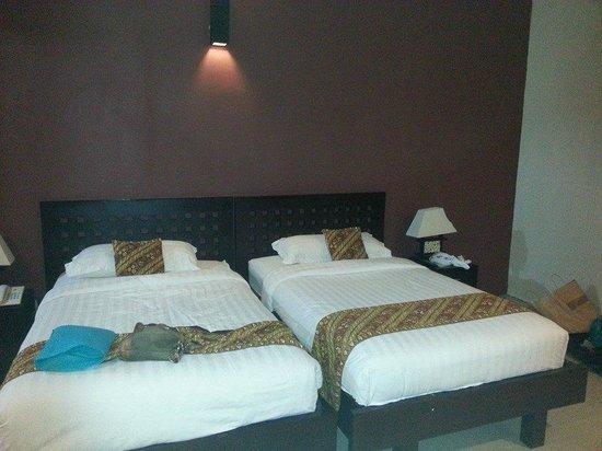 Bali Swiss Villa: Big beds