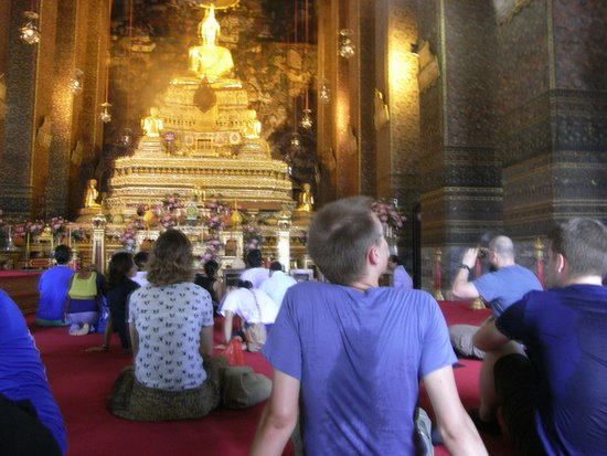 Temple of the Emerald Buddha (Wat Phra Kaew): 激混み