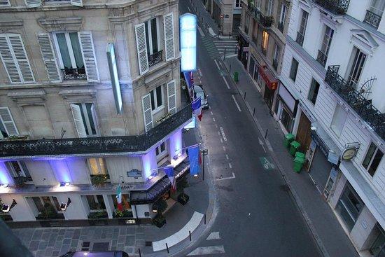 Hotel Peyris Opera : Вид из номера