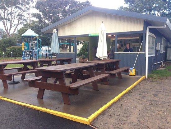 BIG4 Phillip Island Caravan Park: More seating at camp kitchen