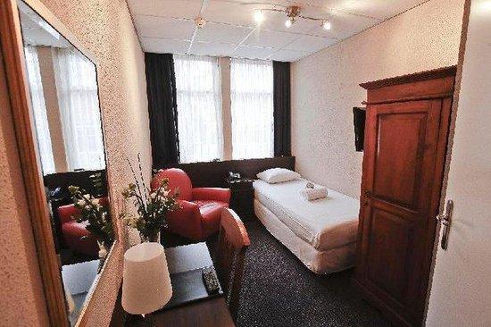 Euro Hotel Centrum: Guest Room