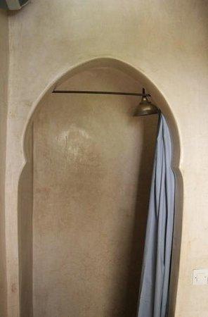Riad Magellan Yoga: Dusche mit Tadelak
