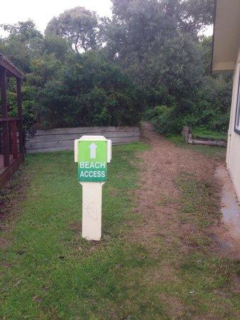BIG4 Phillip Island Caravan Park: Beach access