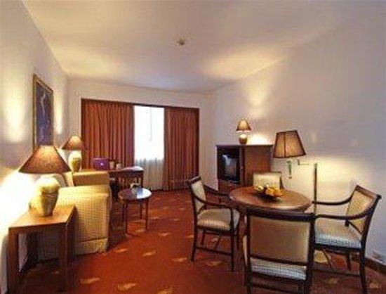 Ramada D MA Bangkok: Suite Living Room