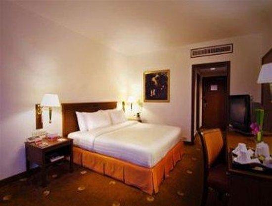 Ramada D MA Bangkok: Superior King Bed