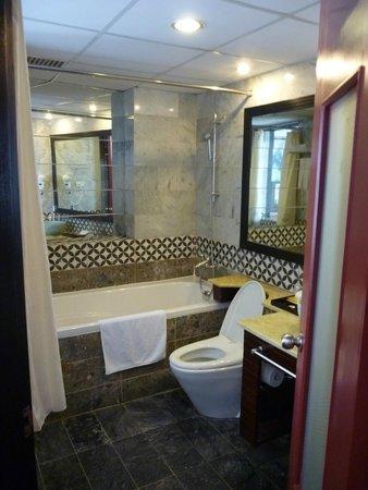Gia Bao Grand Hotel: お風呂