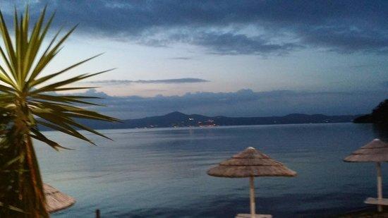 Vista sul lago di Bracciano. - Picture of La Caletta, Anguillara ...