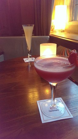 The Champagne Bar at ABode Canterbury: Very nice drinks, Daquari & Bellini