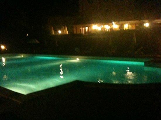 Antico Borgo San Martino: piscina aperto