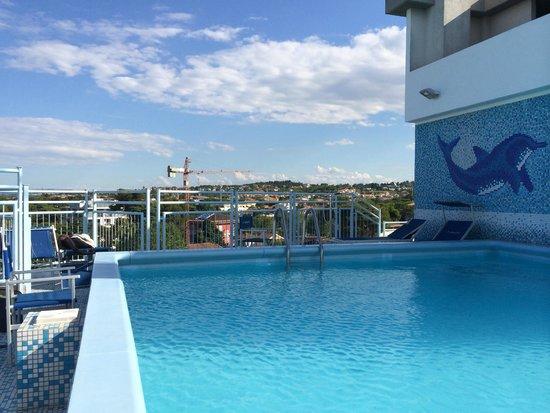 Hotel Augustus Riccione: piscina