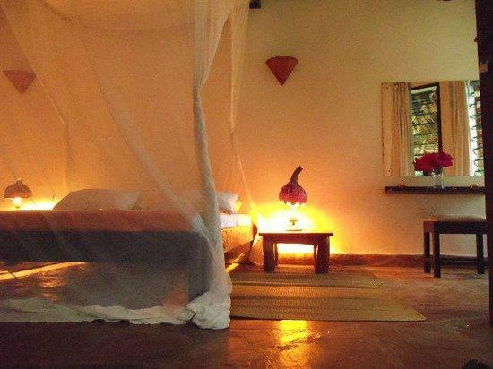 Kinondo Poa: Room