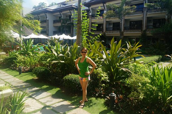 Henann Regency Resort & Spa : right outside our room are nice Greeneries