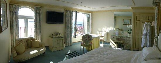 The Panorama: sea view superior room