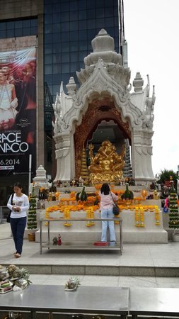Erawan Shrine (Thao Mahaprom Shrine): Ganesh