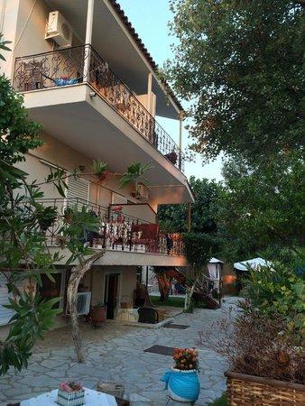 Villa Olga Hotel Apartments & Studios: Rooms with balconies