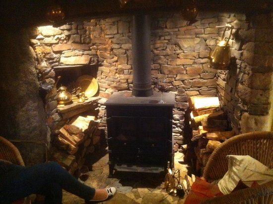 Hay Meadow Farm: Medieval Fire place