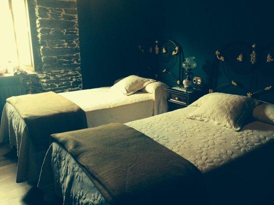 Casa Rural Vila Pomar: Beautiful and Tranquil bedroom