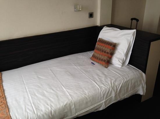 Hotel du Bassin: single room 25