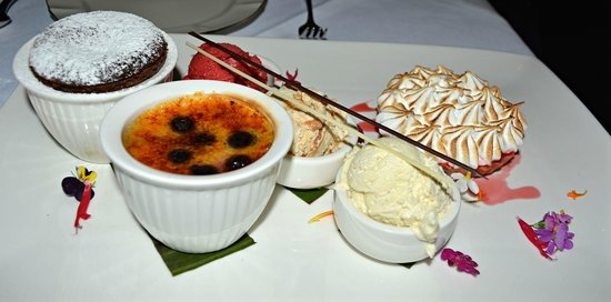 Echoes Boutique Hotel & Restaurant: Trio of Desserts