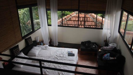 Highbury Colombo: Top view room