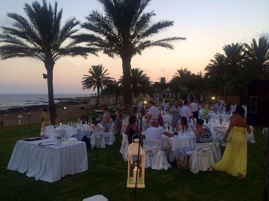 Constantinou Bros Athena Beach Hotel: Beachside wedding venue :-)