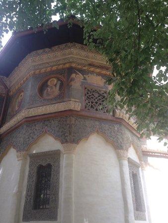 Église Stavropoleos : Outside wall