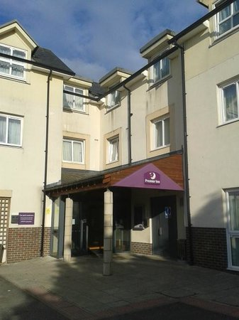 Premier Inn Newquay (Quintrell Downs) Hotel: Outside