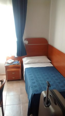 Millennium Gold Hotel: Bedroom