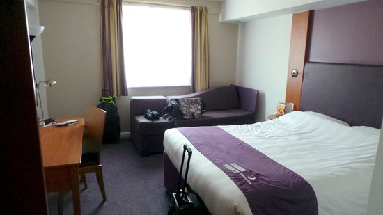 Premier Inn Chester City Centre Hotel: Room 324