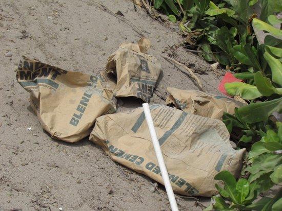 Matamanoa Island Resort : sacco di cemento