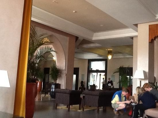 SENTIDO Kenzi Menara Palace: hall d'entree de l'hotel