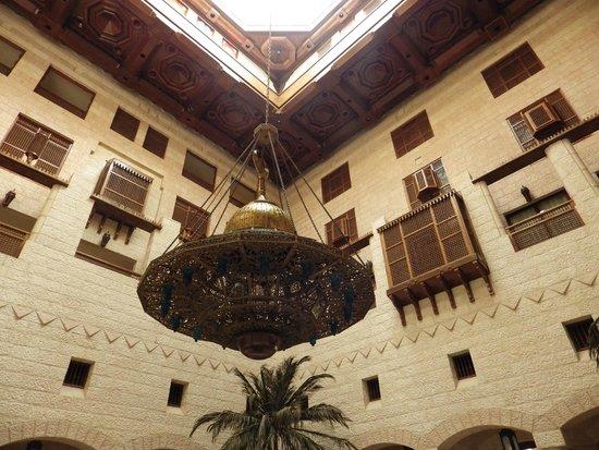 Movenpick Resort Petra : Atrium light fitting