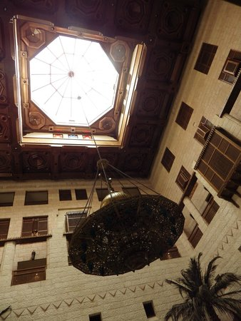 Movenpick Resort Petra : Atrium ceiling