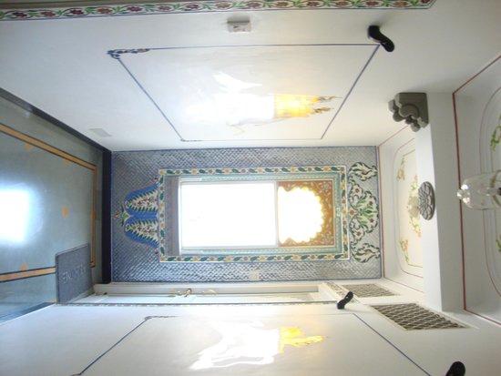 Mewar Haveli: Hallway