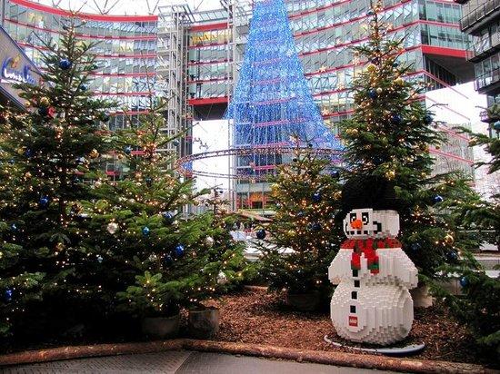 The Ritz-Carlton, Berlin: Поцдамер Платц перед рождеством