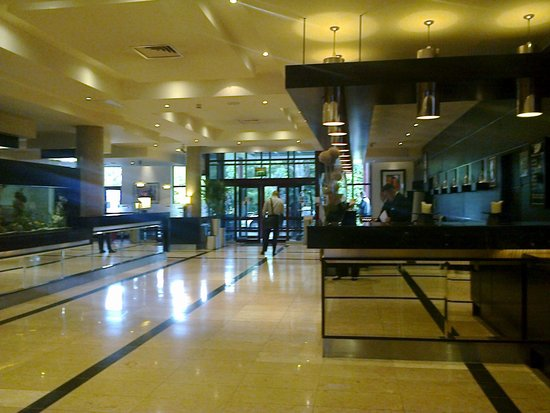 Crowne Plaza Hotel Dublin Airport: Hotel reception