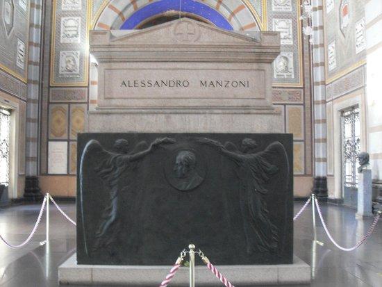 Cimetière Monumental : tomba del Manzoni