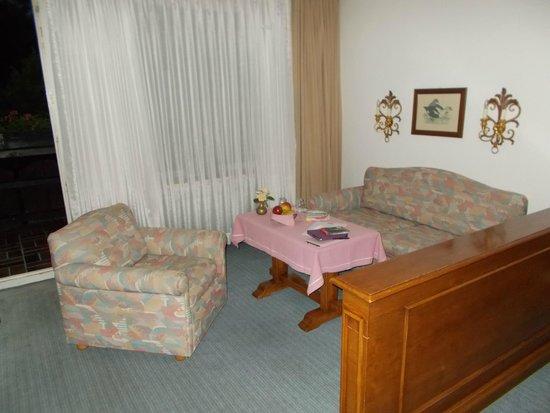 Alpenhof Grainau: Lounge end of our room