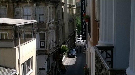 City Center Hotel: Street