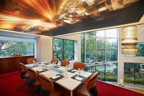 Crowne Plaza Chennai Adyar Park: Meeting Box