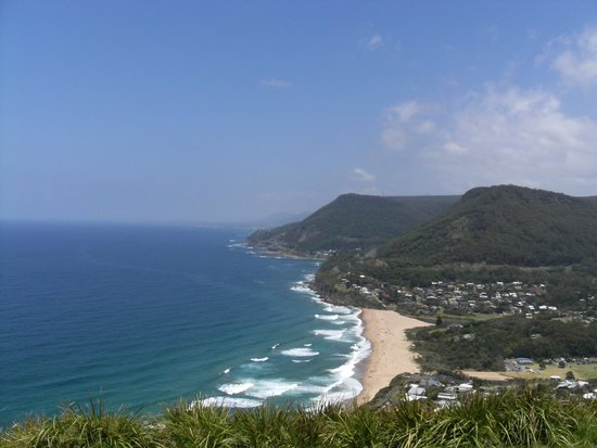 Bald Hill Lookout & Hang Gliding Spot: Looking out over Stanwell Park from Bald Hill Lookout