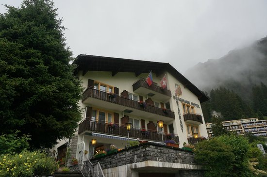 Hotel Berghaus: Front of the hotel