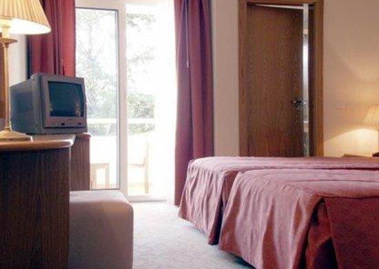 Hotel Cruz Alta: Guest Room