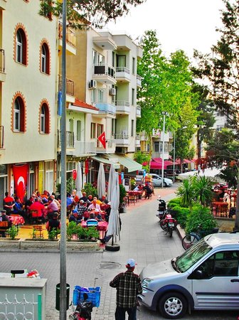 Urkmez Hotel: around the corner from the Urkmez